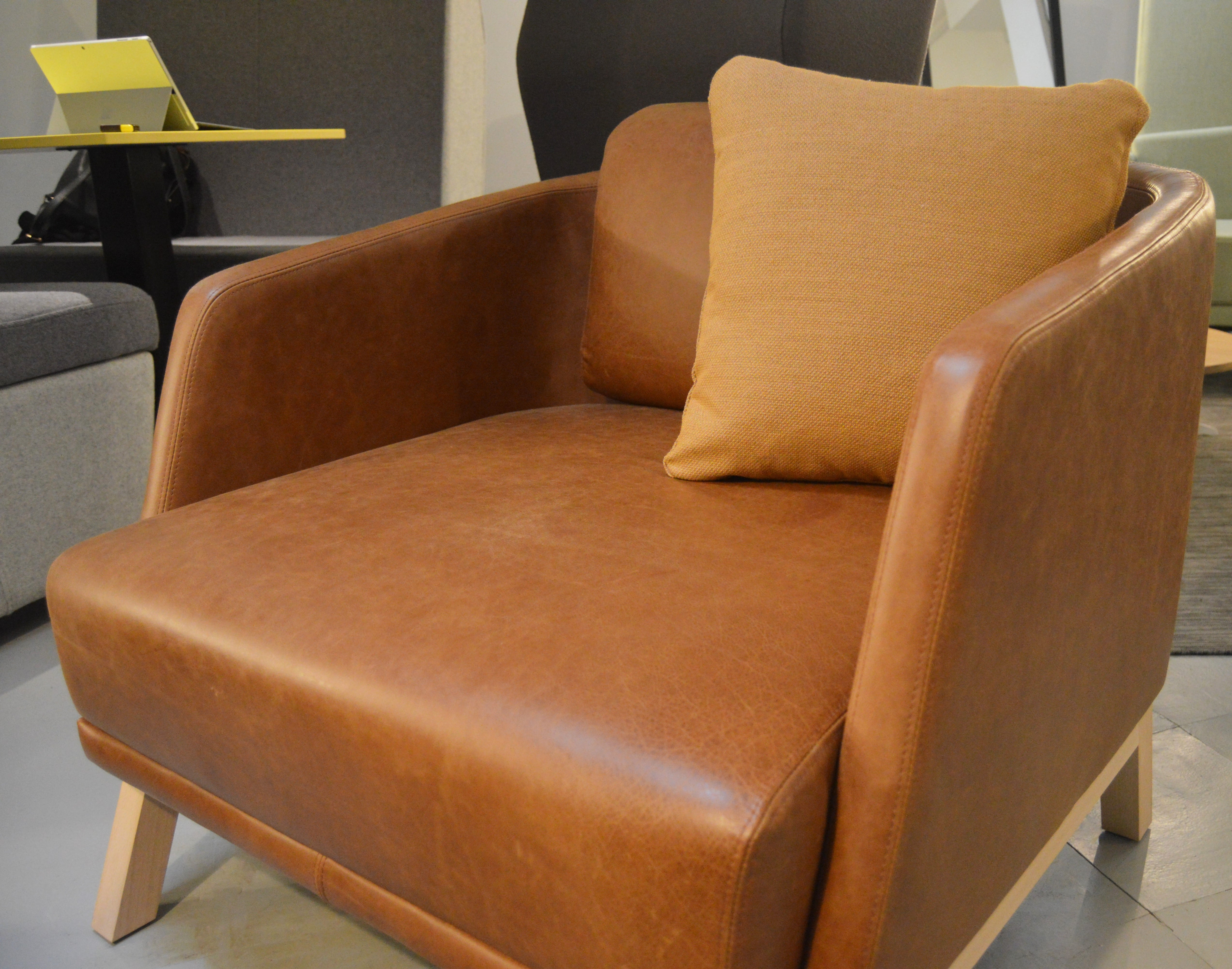 JDD_Walter Chair_Yarwood Leather_Mustang3